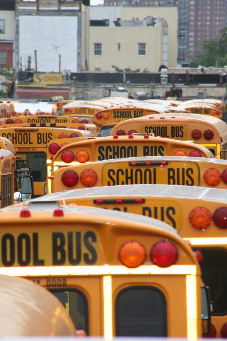 school-bus-600270